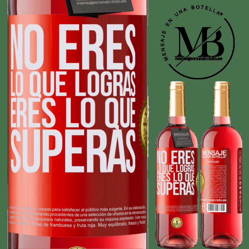 24,95 € Envoi gratuit   Vin rosé Édition ROSÉ Vous n'êtes pas ce que vous réalisez. Tu es ce que tu surmontes Étiquette Rouge. Étiquette personnalisable Vin jeune Récolte 2020 Tempranillo