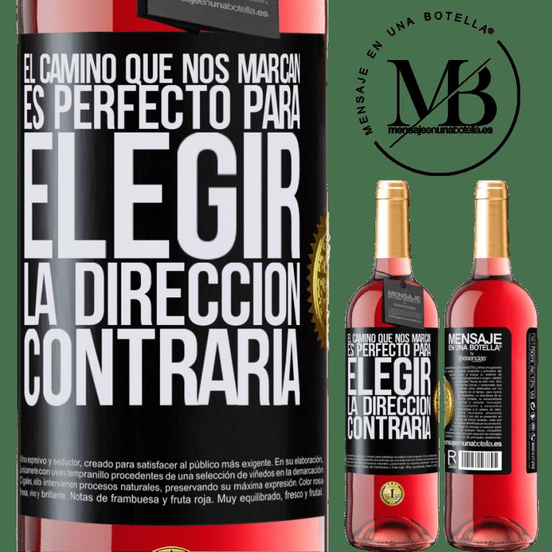 24,95 € Envoi gratuit   Vin rosé Édition ROSÉ La route qui nous marque est parfaite pour choisir la direction opposée Étiquette Noire. Étiquette personnalisable Vin jeune Récolte 2020 Tempranillo