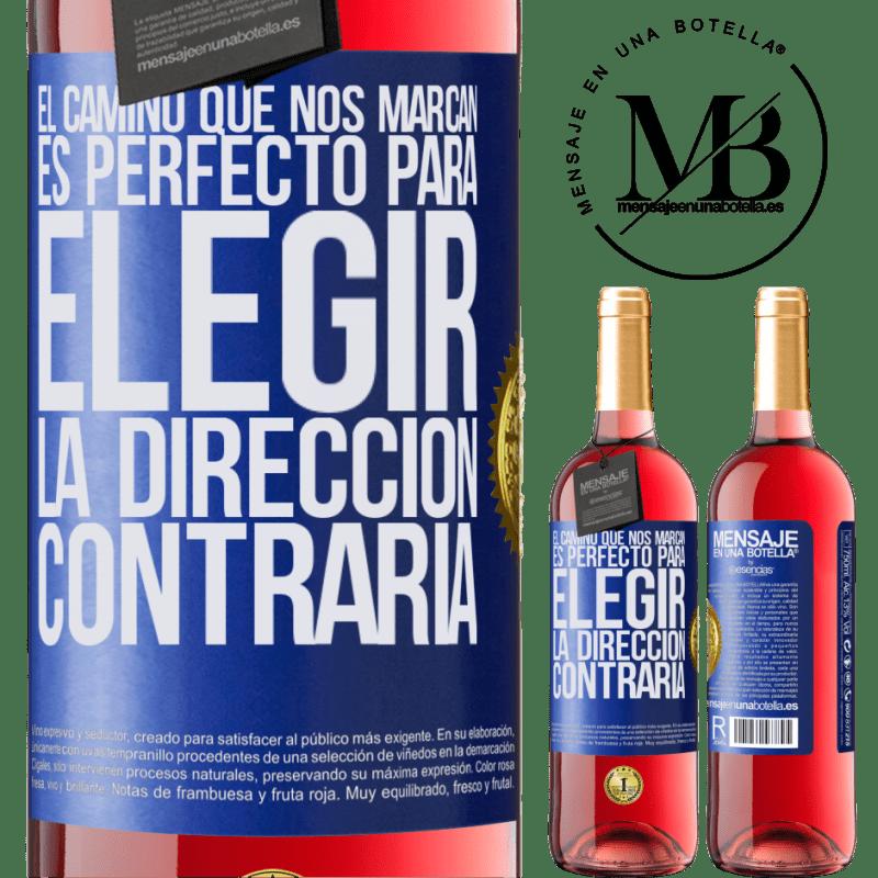 24,95 € Envoi gratuit   Vin rosé Édition ROSÉ La route qui nous marque est parfaite pour choisir la direction opposée Étiquette Bleue. Étiquette personnalisable Vin jeune Récolte 2020 Tempranillo