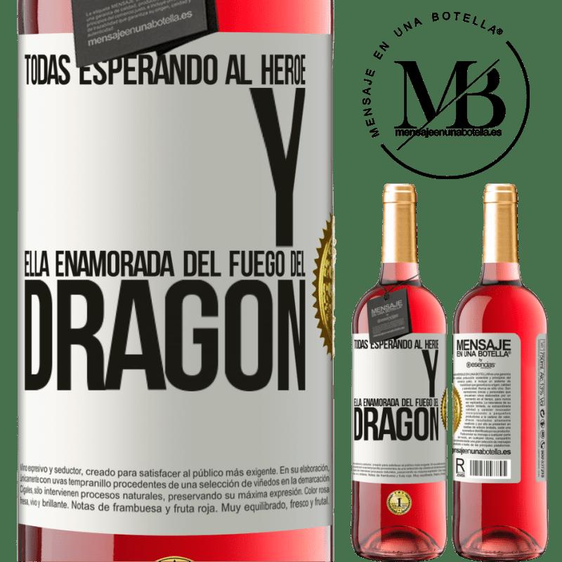 24,95 € Envoi gratuit | Vin rosé Édition ROSÉ Tous attendent le héros et elle amoureuse du feu du dragon Étiquette Blanche. Étiquette personnalisable Vin jeune Récolte 2020 Tempranillo