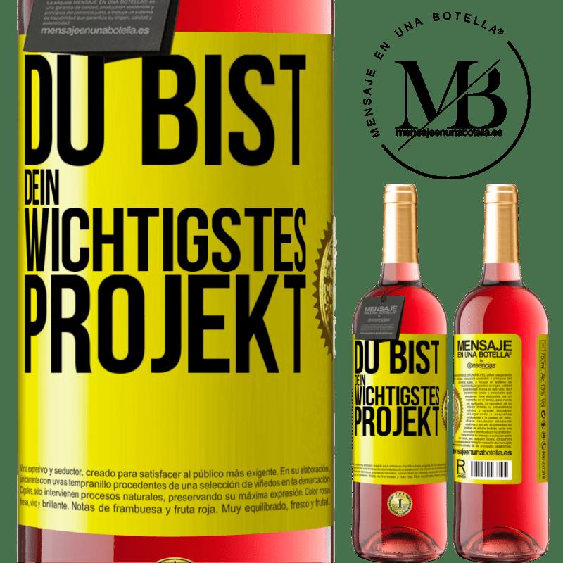 24,95 € Kostenloser Versand | Roséwein ROSÉ Ausgabe Sie sind Ihr wichtigstes Projekt Gelbes Etikett. Anpassbares Etikett Junger Wein Ernte 2020 Tempranillo