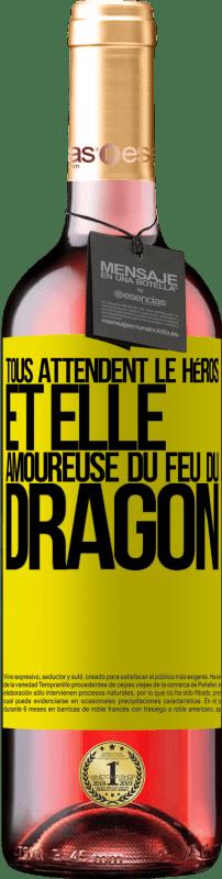 24,95 € Envoi gratuit | Vin rosé Édition ROSÉ Tous attendent le héros et elle amoureuse du feu du dragon Étiquette Jaune. Étiquette personnalisable Vin jeune Récolte 2020 Tempranillo