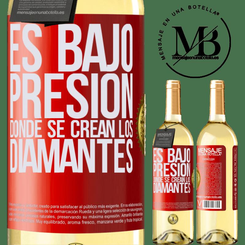 24,95 € Envío gratis   Vino Blanco Edición WHITE Es bajo presión donde se crean los diamantes Etiqueta Roja. Etiqueta personalizable Vino joven Cosecha 2020 Verdejo