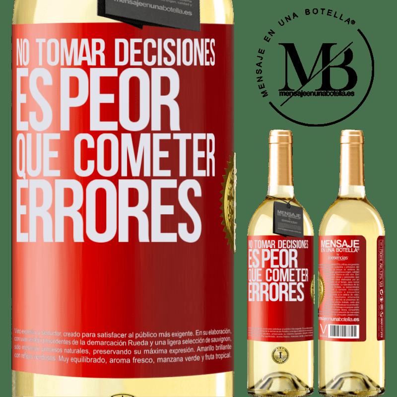 24,95 € Envío gratis | Vino Blanco Edición WHITE No tomar decisiones es peor que cometer errores Etiqueta Roja. Etiqueta personalizable Vino joven Cosecha 2020 Verdejo