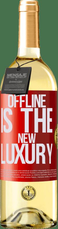 24,95 € Envío gratis | Vino Blanco Edición WHITE Offline is the new luxury Etiqueta Roja. Etiqueta personalizable Vino joven Cosecha 2020 Verdejo