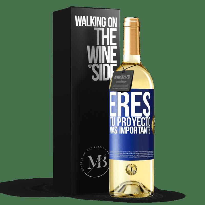 24,95 € Envoi gratuit | Vin blanc Édition WHITE Vous êtes votre projet le plus important Étiquette Bleue. Étiquette personnalisable Vin jeune Récolte 2020 Verdejo