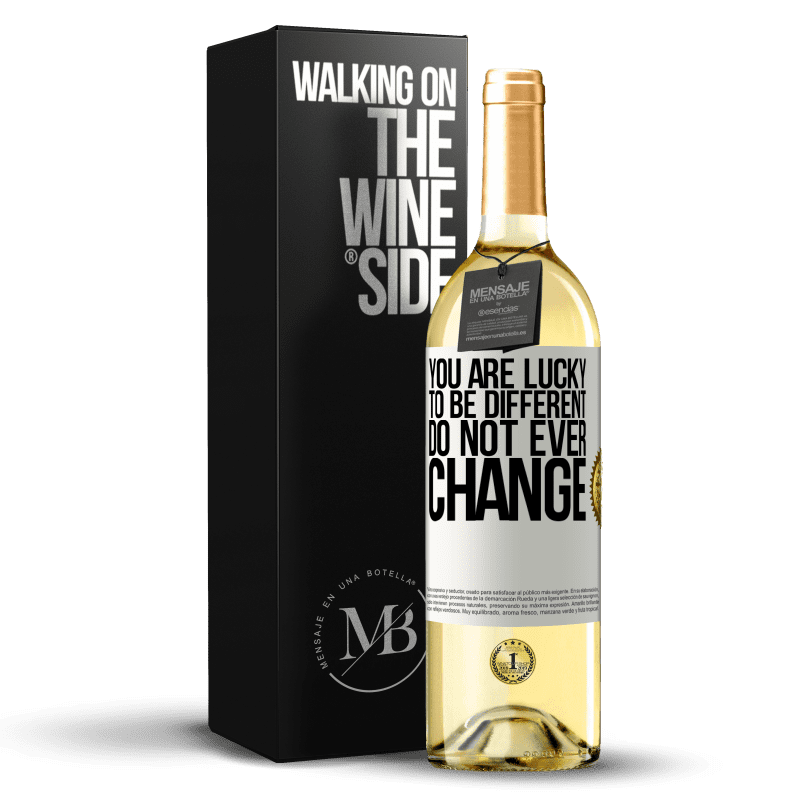 24,95 € Free Shipping   White Wine WHITE Edition You are lucky to be different. Do not ever change White Label. Customizable label Young wine Harvest 2020 Verdejo