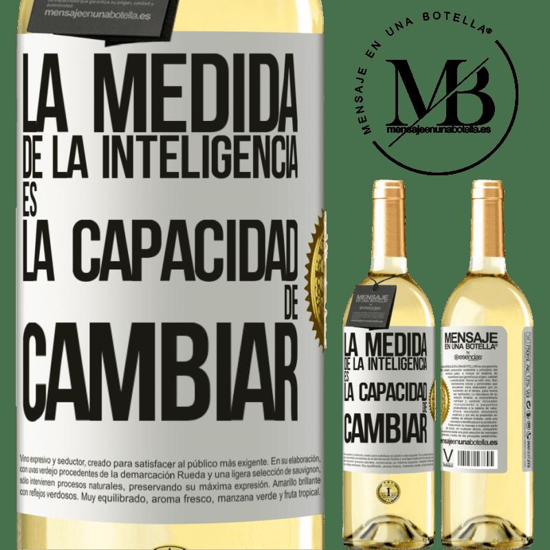 24,95 € Envío gratis   Vino Blanco Edición WHITE La medida de la inteligencia es la capacidad de cambiar Etiqueta Blanca. Etiqueta personalizable Vino joven Cosecha 2020 Verdejo