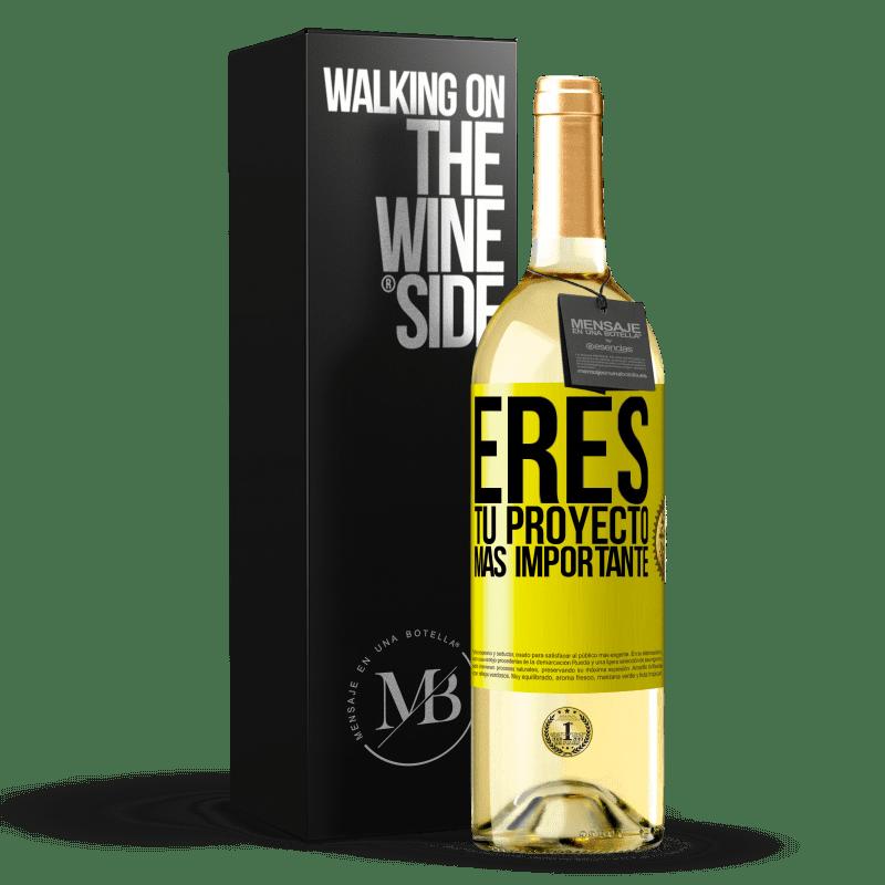 24,95 € Envoi gratuit | Vin blanc Édition WHITE Vous êtes votre projet le plus important Étiquette Jaune. Étiquette personnalisable Vin jeune Récolte 2020 Verdejo