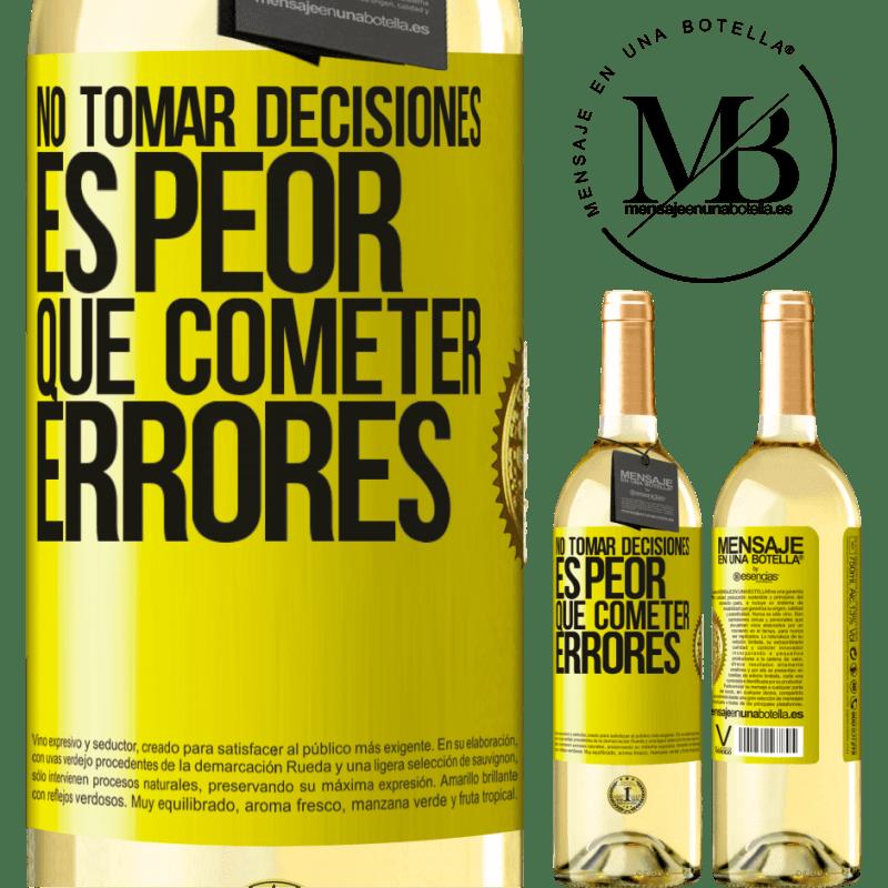 24,95 € Envío gratis | Vino Blanco Edición WHITE No tomar decisiones es peor que cometer errores Etiqueta Amarilla. Etiqueta personalizable Vino joven Cosecha 2020 Verdejo