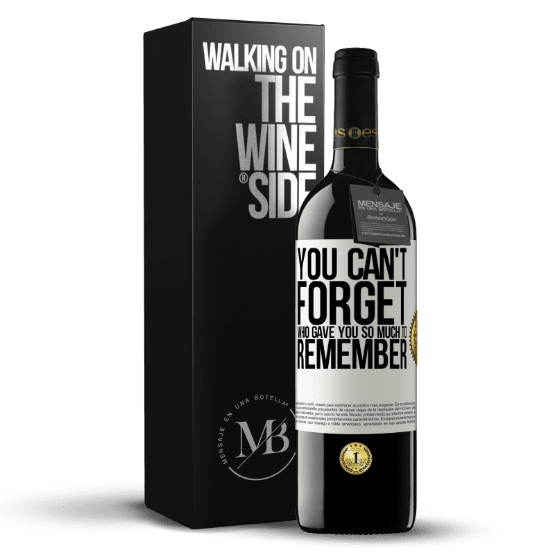 24,95 € Free Shipping | Red Wine RED Edition Crianza 6 Months You can't forget who gave you so much to remember White Label. Customizable label Aging in oak barrels 6 Months Harvest 2018 Tempranillo