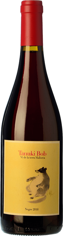 19,95 € Free Shipping | Red wine 4 Kilos Tanuki Bob Crianza I.G.P. Vi de la Terra de Mallorca Balearic Islands Spain Mantonegro Bottle 75 cl