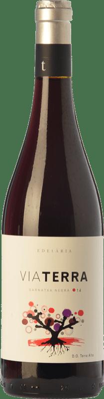 11,95 € Envío gratis | Vino tinto Edetària Via Terra Negre Joven D.O. Terra Alta Cataluña España Garnacha Botella 75 cl