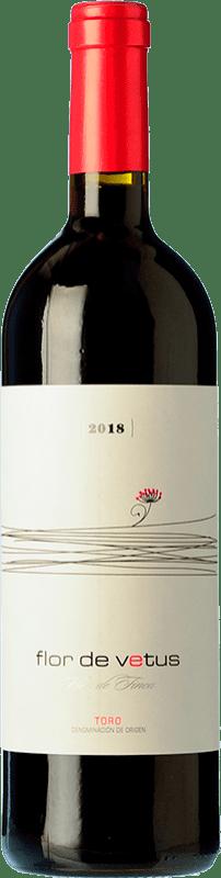 9,95 € 免费送货 | 红酒 Vetus Flor Joven D.O. Toro 卡斯蒂利亚莱昂 西班牙 Tinta de Toro 瓶子 75 cl
