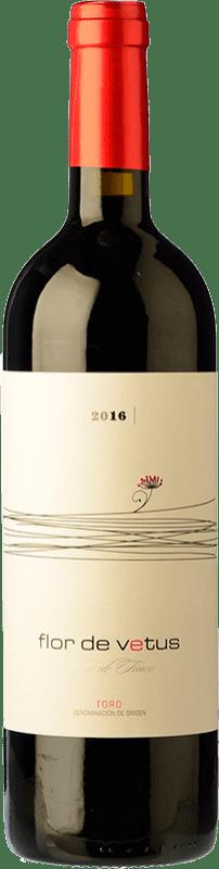 23,95 € Envío gratis | Vino tinto Vetus Flor Joven D.O. Toro Castilla y León España Tinta de Toro Botella Mágnum 1,5 L